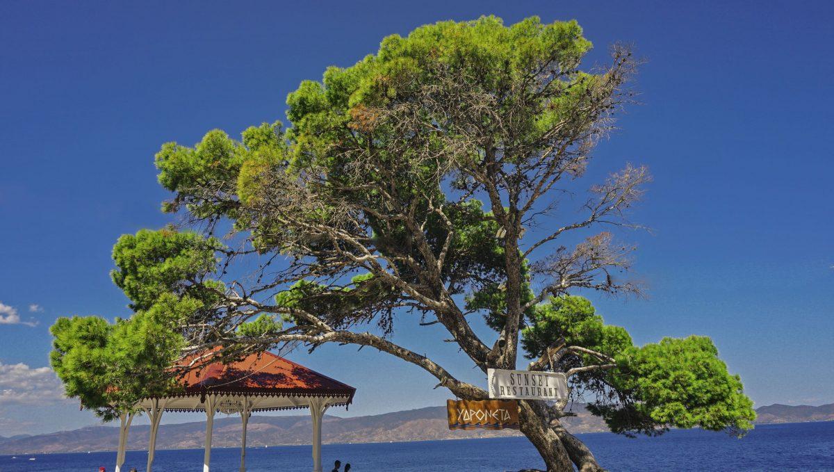 hydra sailing travel blogger grece lifestyle beautifull places watermelon saronic gulf soul photography